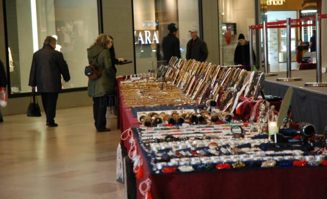 Expomineralia, Iulius Mall, bijuteruii, flori de mina, Foto Otilia Muresan (52)