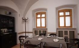 Topul restaurantelor din Cluj: în așteptarea lui Adi Hădean vă prezetăm topul Adrianei